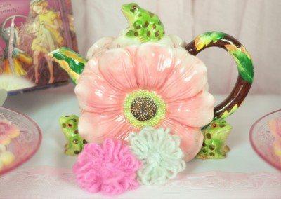 Flower teapot accents